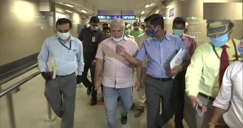 kailash gahlot visits rajiv chowk to inspect preparations made to start metro kmbsnt
