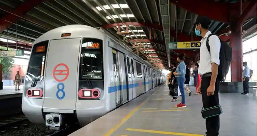 Entry Exit of three Delhi Metro stations reopen again due to Bharat Bandh prshnt