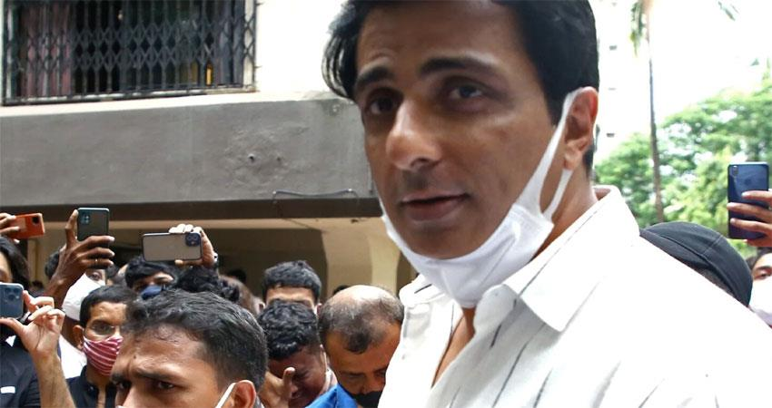 actor sonu sood involved in tax evasion of over 20 crores musrnt