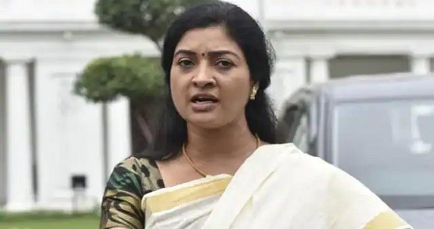 delhi police house arrest alka lamba she cant go for farmers parilament kmbsnt