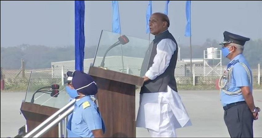 defence-minister-rajnath-singh-said-with-dignity-of-country-want-peaceful-solution-prsgnt