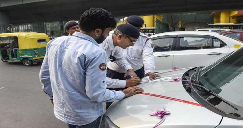 using-mobile-phone-while-driving-challan-of-10000-in-up-sobhnt