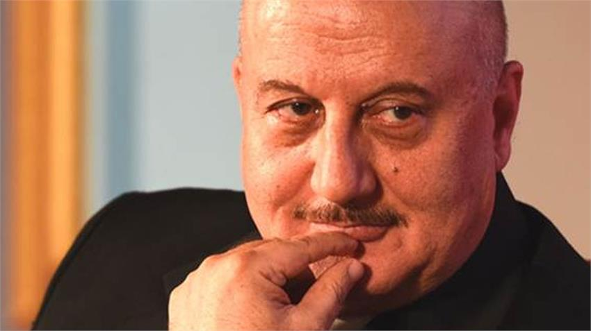 coronavirus lockdown anupam kher bollywood actor angry with people spreading negativity rdksnt