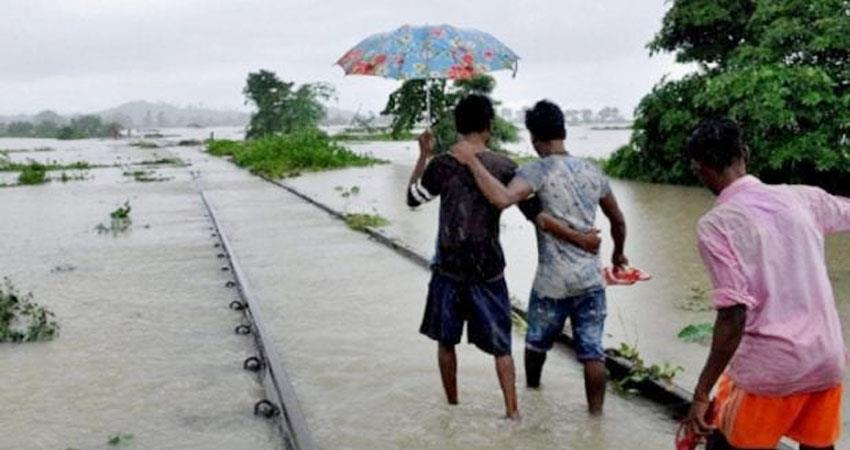 samastipur darbhanga railway block stalled due to floods in bihar prshnt