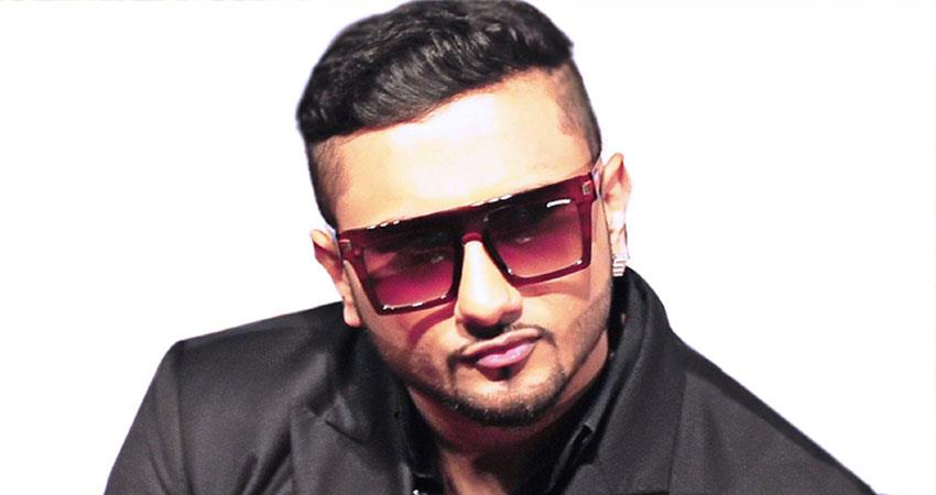 yo-yo-honey-singh-wishes-his-two-mothers-in-this-special-way