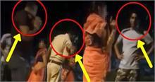 थाना 'आदर्श नगर' और महिला को बेल्ट से पीटते 5 पुलिसवाले, Video वायरल