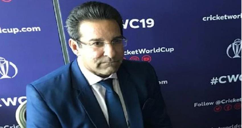 wasim akram suffered insults during a search at manchester airport