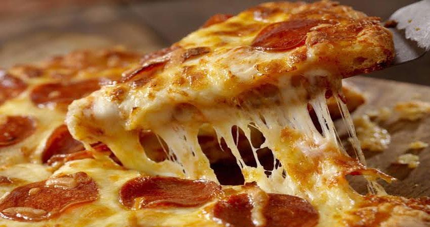 online-food-customer-delivery-boy-cctv-pizaa