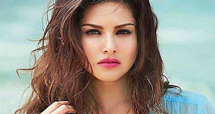 sunny leone share her video in super woman avtaar