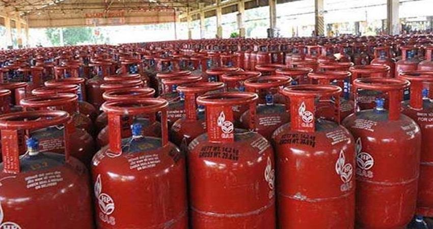 new year 2020 beginning with inflation gas cylinder becomes expensive bjp