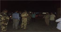देहरादून के जौलीग्रांट एयरपोर्ट रनवे घूमता रहा हाथी, रेस्क्यू टीम को भी छकाया