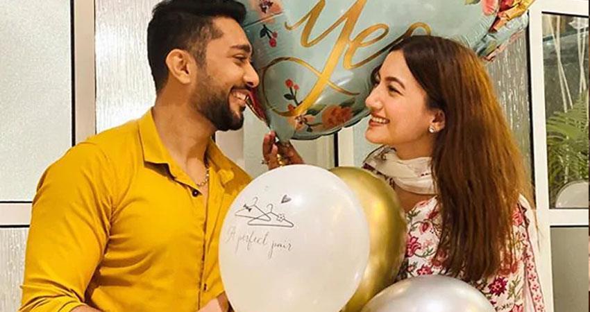 gauhar khan arrives dubai with boyfriend zaid darbar before marriage jsrwnt