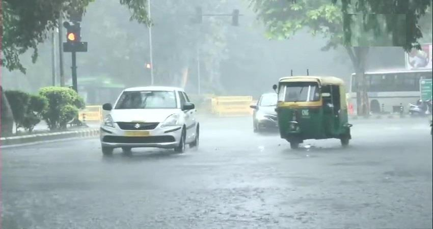 delhi-monsoon-updates-rain-lashes-parts-of-the-national-capital-kmbsnt
