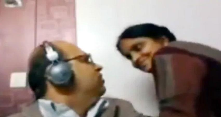 during the live meeting, the wife''''''''s desire to kiss her husband created a ruckus anjsnt
