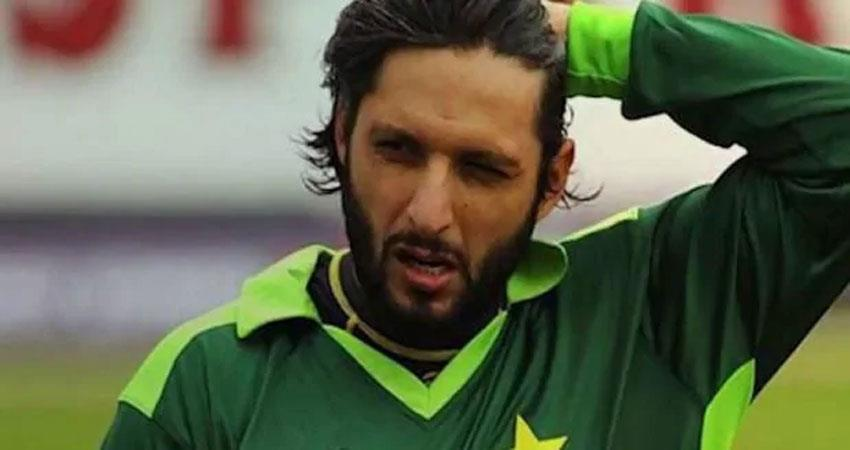 former pakistani cricketer shahid afridi became corona positive albsnt