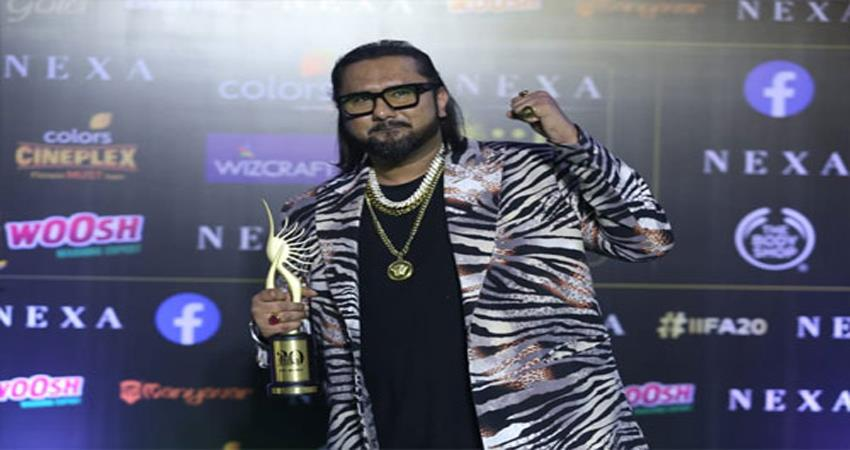 yo yo honey singh recieves best music direction award in iifa