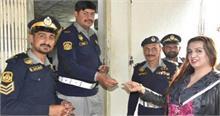 पाकिस्तान का बड़ा कारनामा, इस्लामाबाद में पहली बार किन्नर को दिया ड्राइविंग लाइसेंस