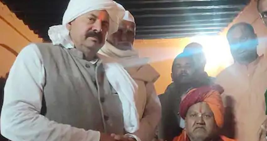 national president of BKU Naresh Tikait described himself as a descendant of Ram prshnt