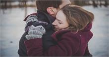 HUG DAY के मौके पर इन शायरी के सहारे करें सबके दिलों पर राज...