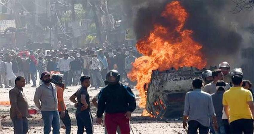 politicians and workers doubts over delhi riots