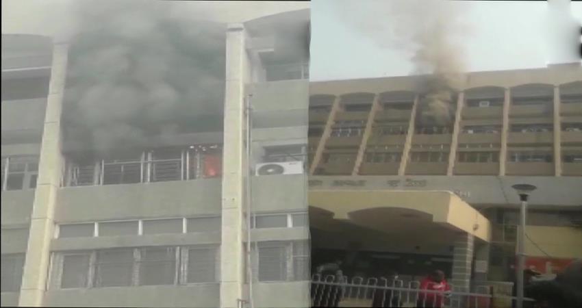 delhi fire breaks out due to short circuit in nursing room of safdarjung hospital pragnt