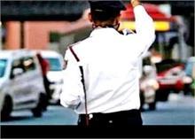 Delhi:  होली में हुड़दंगियों को रोकने के लिए Traffic पुलिस ने बनाया ये खास Plan