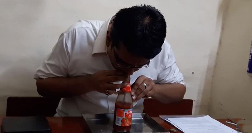 mumbai-man-makes-world-record-of-drinking-ketchup-sauce