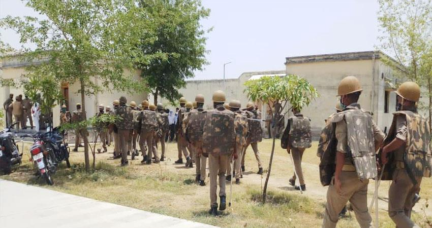 up firing in chitrakoot district jail killing two including mukhtar close suiter killed prshnt