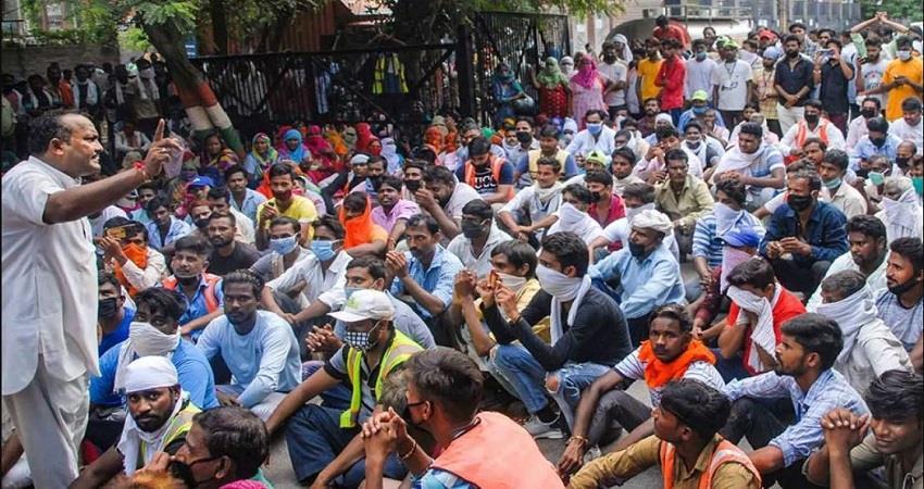noida-sanitation-workers-protest-noida-authority-islam-prsgnt