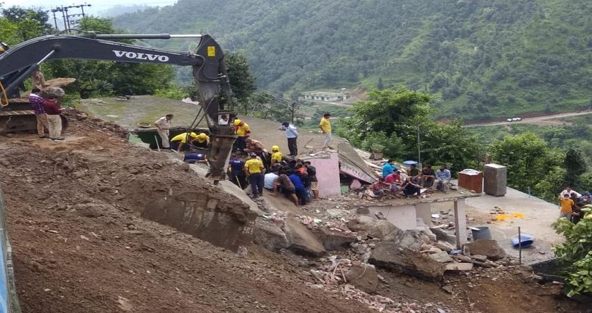 two-women-and-a-young-man-died-due-to-house-collapse-sohsnt