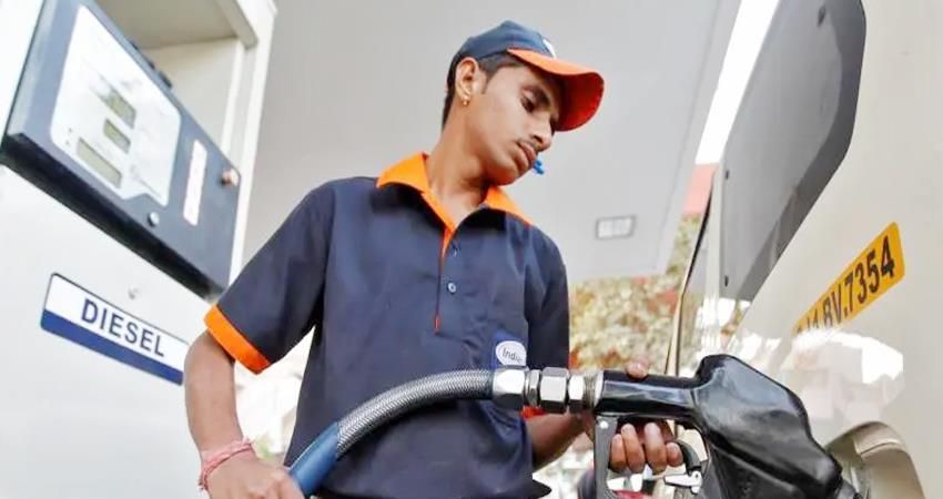 then the price of fuel increased petrol in these cities crossed rs 100 per liter prshnt