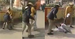 बुजुर्ग महिला फरियादी के साथ UP पुलिस की बदतमीजी हुई वायरल