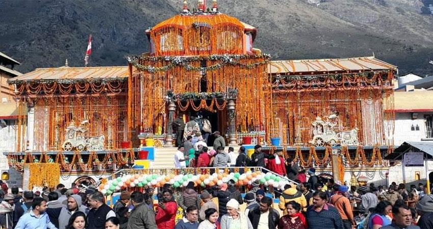 badrinath-yatra-more-than-five-lakh-pilgrims-arrive-in-a-month