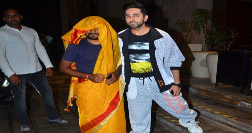 dream girl fan wear saree to meet ayushman khurana