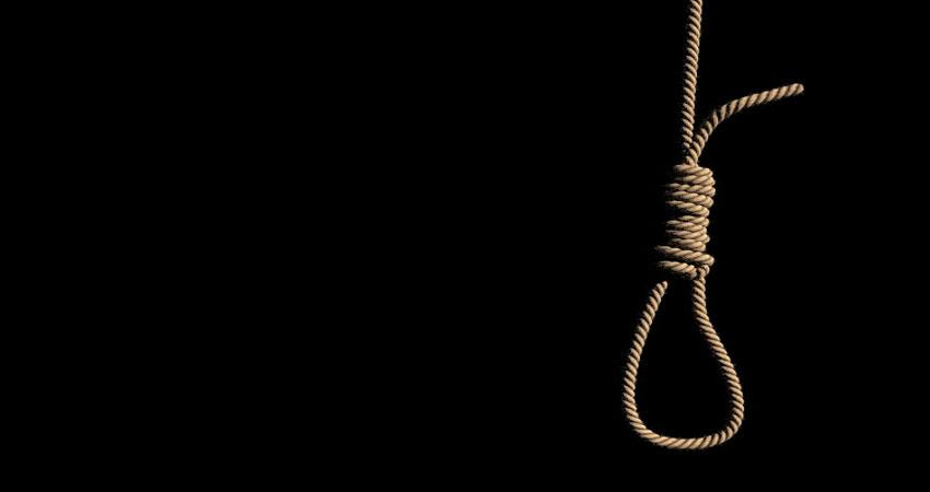 noida: a woman living in pg committed suicide
