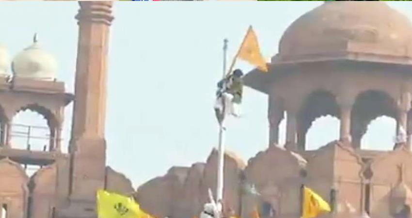 person who hoisted the red fort, mark sahib revealed by viral video prshnt