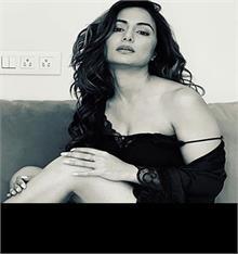 हिना खान ने Instagram पर शेयर की ऐसी तस्वीर, यूजर ने कहा- कर लो रहम थोड़ा सा...