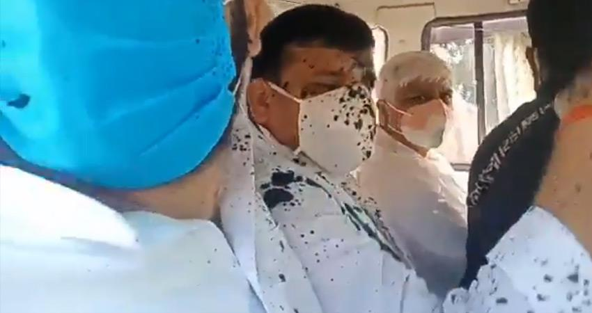 hathras ink thrown on aap sanjay singh up police lathicharge on aap workers rkdsnt