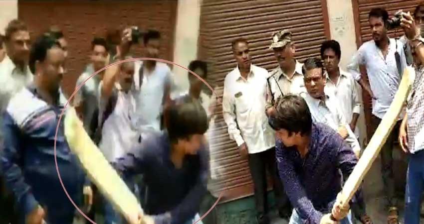 indore-bjp-mla-akash-vijay-vargiya-video-viral-on-social-media