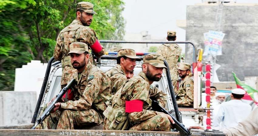 Pak army and police clash aljwnt
