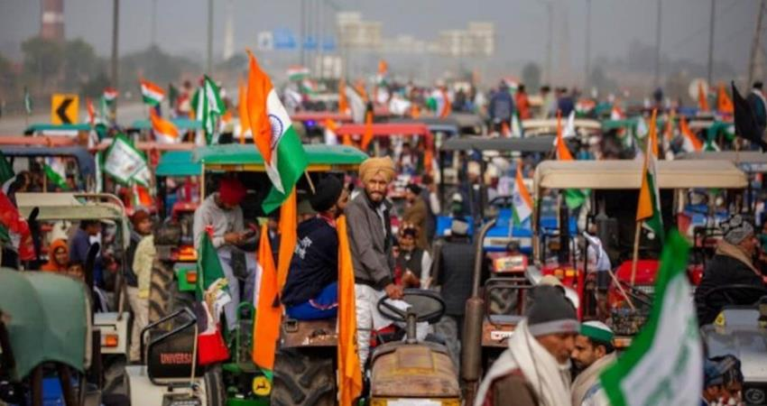 tractor-parade-of-farmers-caused-heavy-jam-traffic-affected-in-many-parts-of-delhi-prshnt