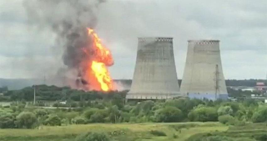 russia moscow fire breaks out at power station