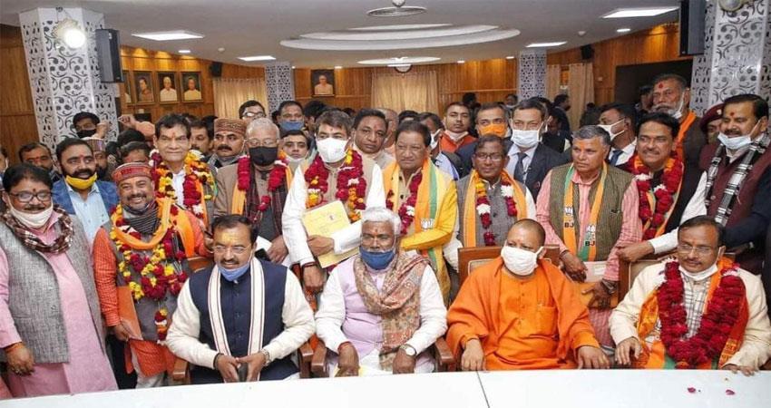 up mlc elections  bjp will wins 10 seatssp 2 congress and bsp shocked albsnt