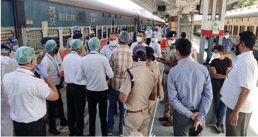 402 passengers from manipur leave train from doon musrnt
