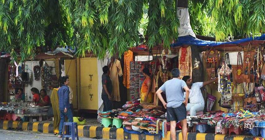 Corona Virus Crisis rent decreased in areas like Khan Market Connaught Place Delhi rkdsnt