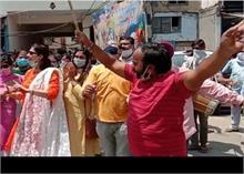 अनिल विज ने राम मंदिर निर्माण की आधारशिला रखे जाने की खुशी में बांटे लड्डू, कांग्रेस पर भी किया वार