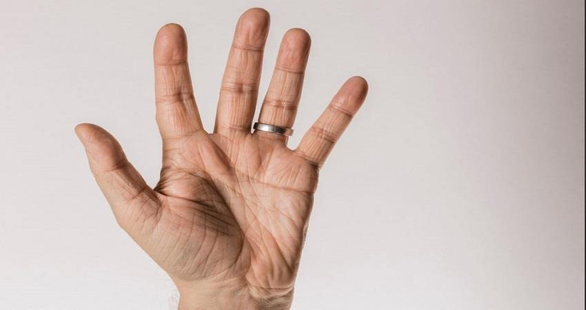 men-with-longer-ring-fingers-face-a-lower-risk-of-dying-from-corona-prsgnt