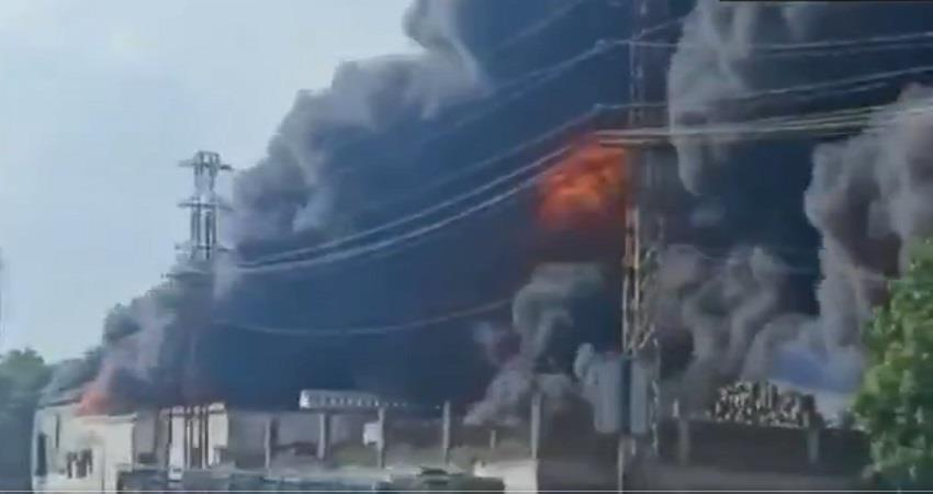 uttarpradesh  agra chemical factory fire sikandra fire sobhnt