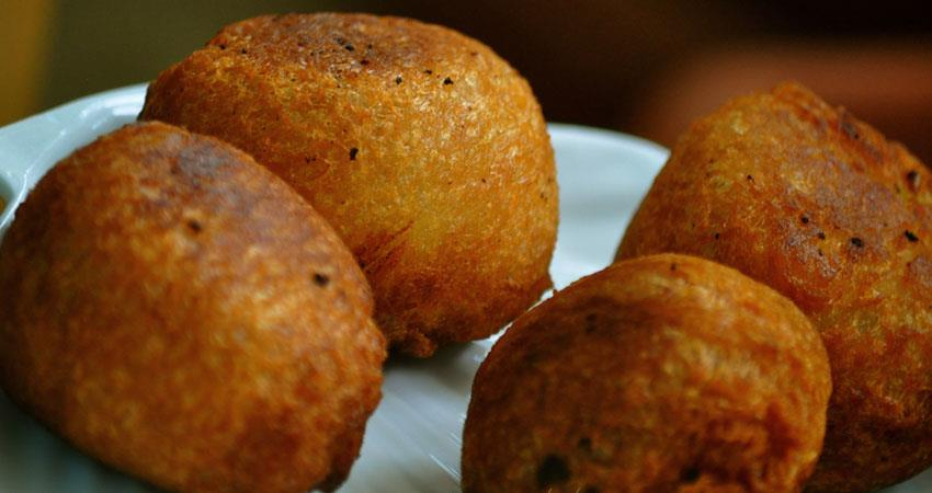 see-the-recipe-of-bread-bonda-and-learn-how-to-make-read-the-story-in-hindi