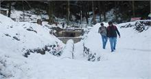 हिमाचल में ताजा हिमपात, बारिश के बाद बढ़ी ठंड